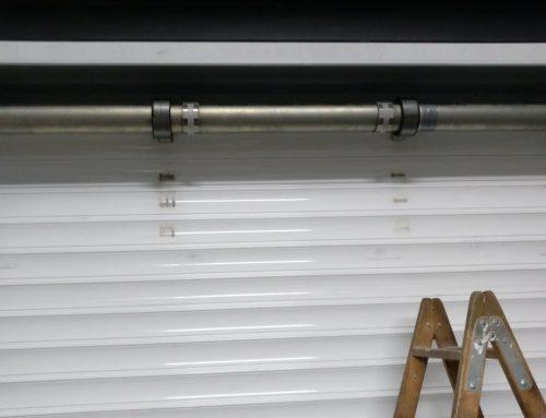 Como cambiar el motor de una puerta enrollable de garaje, de forma totalmente segura.