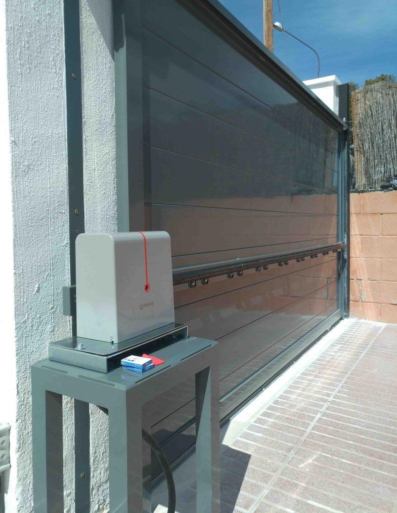 Puerta Corredera automatica Aluminio Soldado Alicante