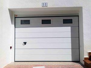 Puerta garaje Seccional Novoferm ISO45 Blanco Ventanas Alicante