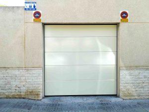 Puerta garaje Seccional Novoferm ISO45 Liso Alicante